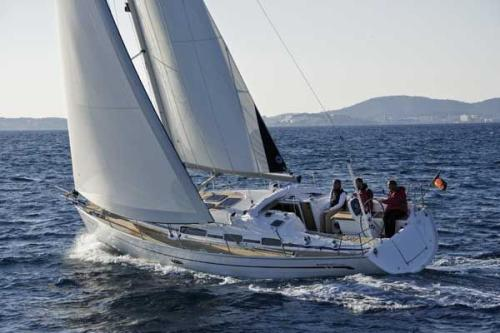 Bavaria 38 Cruiser (3 cab) Top Bild